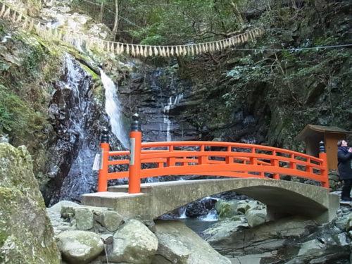 犬鳴山七宝滝寺の滝